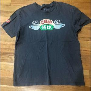 "🧺 FRIENDS ""Central Perk"" Gray T Shirt L"